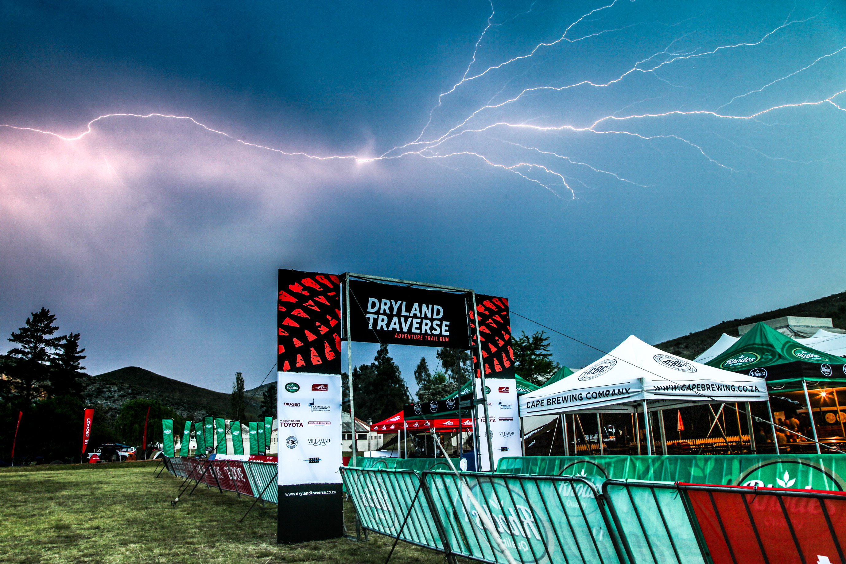 A thunderstorm broke on Thursday evening which dramatically cooled the sweltering atmosphere at the Dryland Traverse. Photo by Oakpics.com.