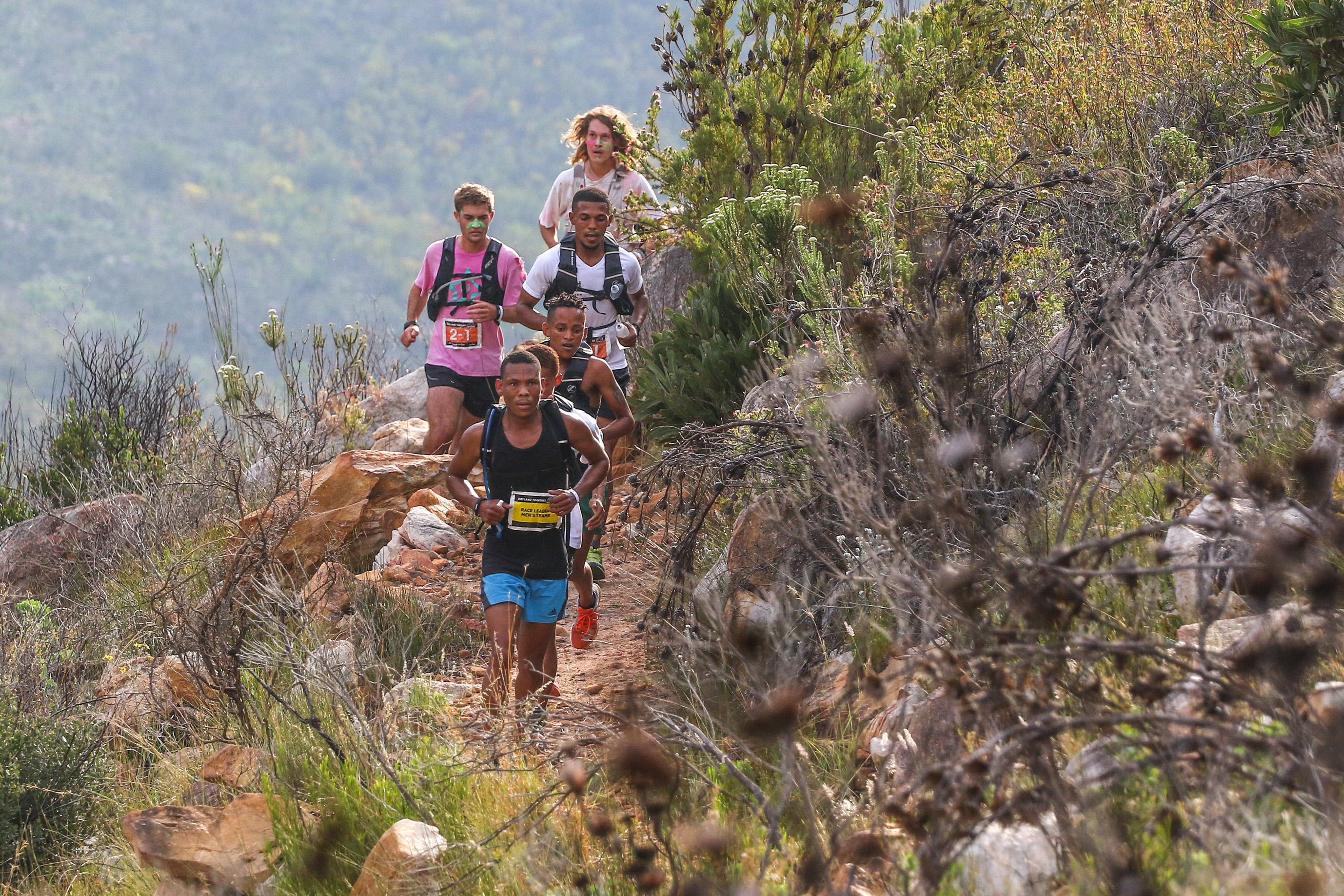 Ettiene Plaatjies  leads the field of main contenders during Stage 1 of the Dryland Traverse. Photo by Oakpics.com.